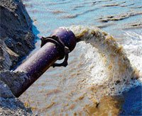 Water extraction triggers quake