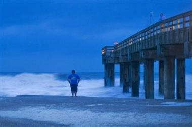 Super storm threat launches mass evacuations in US