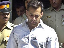 Lawyer blames police for going slow on Salman in accident case