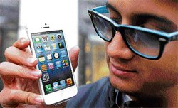 Apple's iPhone 5 dials in