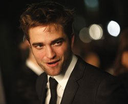 Pattinson thanks Indian fans for their support