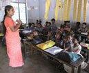 Dress code: Suspension of teacher revoked