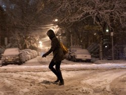 Another storm hits New York, New Jersey;1700 flights cancelled