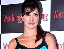 Movie Snippets: Books are Priyanka's best friend