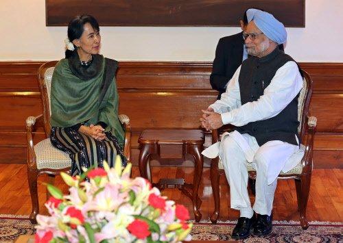 PM, Suu Kyi discuss democratic reforms in Myanmar