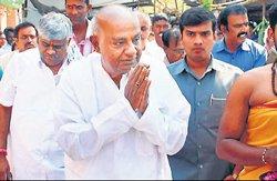 Gowda demands compensation for ryots