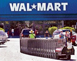 Wal-Mart faces workers' strike