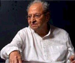 Pran saheb doing fine, says Big B