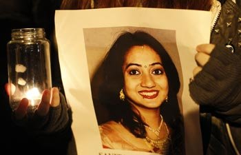 Savita's husband demands 'full public inquiry' into her death