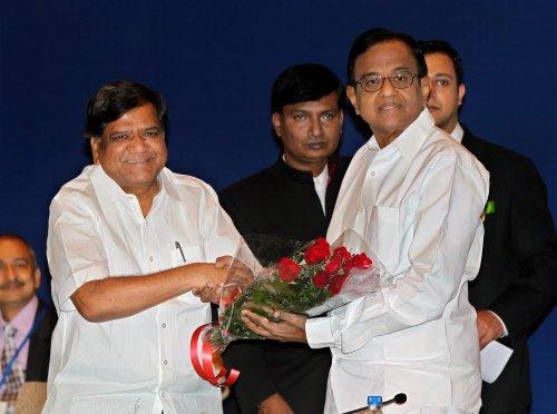 BJP govt in K'taka has no moral right to continue: Chidambaram