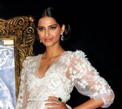 I don't take myself seriously: Sonam Kapoor