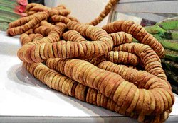 Savour Afghani dried fruits and saffron at IITF