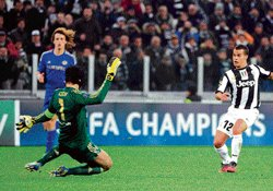 Chelsea on verge of exit; Barca win