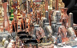 Decorate homes with foreign craft