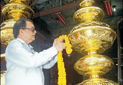 Golden pots from TN to add glitter to Patna temple