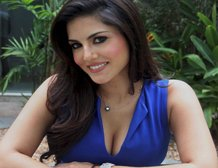 Sunny to do item song in 'Singh Sahib...', Sharma working on dates
