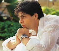 Movie Snippets: Why SRK feels awkward?