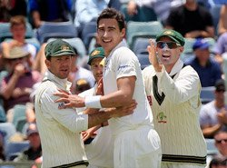 Australia put South Africa on back foot