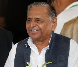 Mulayam gets a temple, his party a Chalisa