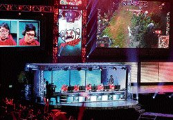 All glory, no gold for videogaming pros