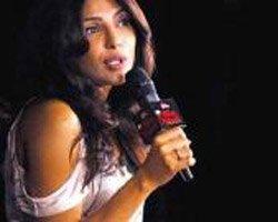 Priyanka wants boxing tips from Mary Kom