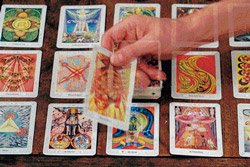 Youngsters lured by tarot's power
