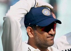 Dhoni right man to take India forward: Dravid