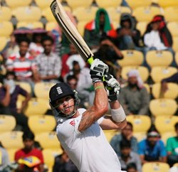 Pietersen impresses Flower, set to be offered a full contract
