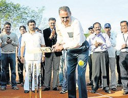 Chandra calls for a world cup  of the specially abled
