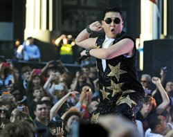 Psy's 'Gangnam Style' closes on one billion views