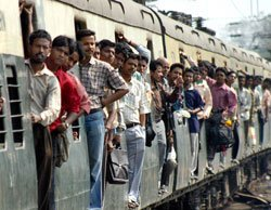 Railways pitches for 5-10 paise fare hike per km