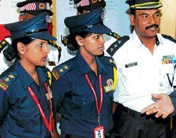 Police propose common uniform for private security guards across State
