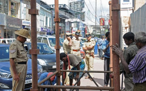 Bangalore cops to keep New Year revellers on leash