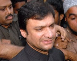 Sedition charges slapped on Owaisi for hate speech