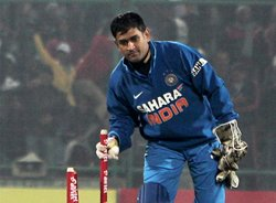 Dhoni has to bide his time during transition phase: Ganguly