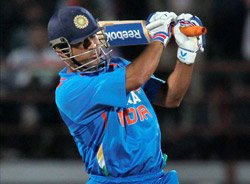 'Criticising Dhoni is like questioning Sachin's ability'