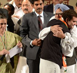 Congress sets uniting secular forces as poll agenda