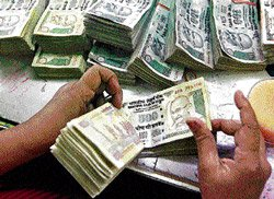 Centre to limit  borrowing in  fiscal 2014