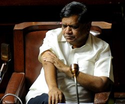 Congress hand in ministers' resignation: Shettar