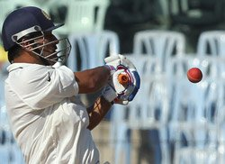 Dhoni breaks Sachin's record of highest score by skipper