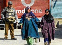Clashes in Kashmir, 30 injured