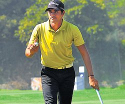Joshi, Kim share lead at the top