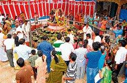 Fasting, night vigil marks Shivaratri