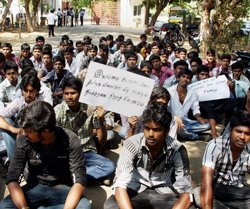 TN colleges shut to check protest over Lanka row