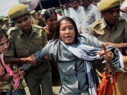 Hundreds arrested for blocking Hyderabad-Bangalore highway
