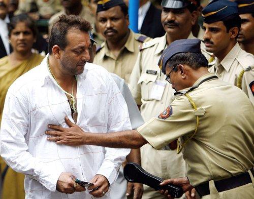 Parliamentarians seek pardon for Sanjay Dutt