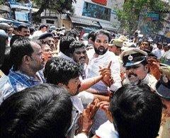 Sriramulu, Shantha detained, released