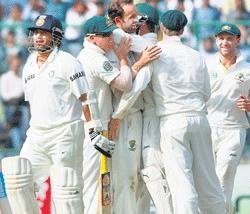 India all out for 272, take 10 runs lead