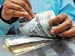 'Lack of triggers to keep rupee at current level of 54.30'