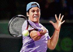 Haas dismantles Djokovic; Serena through